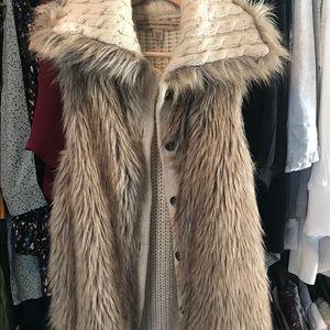 NINE WEST Vintage America Fur Vest
